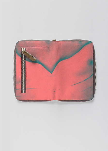LEATHER ZIP-AROUND WALLET ARTWORK: Skin